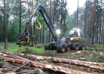 10 2 1 400x284 - Wycinka - Harvester Ponsse ERGO 8W