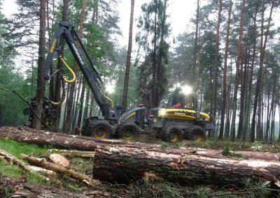 11 1 1 400x284 - Wycinka - Harvester Ponsse ERGO 8W