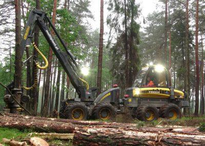 12 2 400x284 - Wycinka - Harvester Ponsse ERGO 8W
