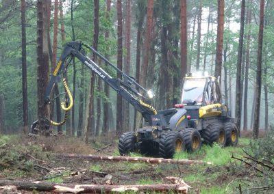 2 1 1 400x284 - Wycinka - Harvester Ponsse ERGO 8W