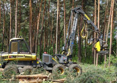 37 1 400x284 - Wycinka - Harvester Ponsse ERGO 8W