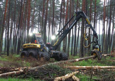 4 1 1 400x284 - Wycinka - Harvester Ponsse ERGO 8W